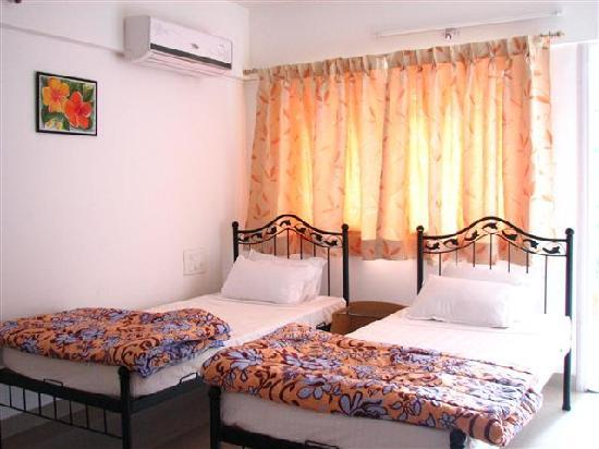 Palm Leaf Serviced Apartments: Master Bed Room