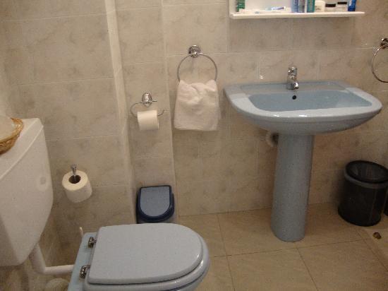 Hotel Giuseppe: Bathroom