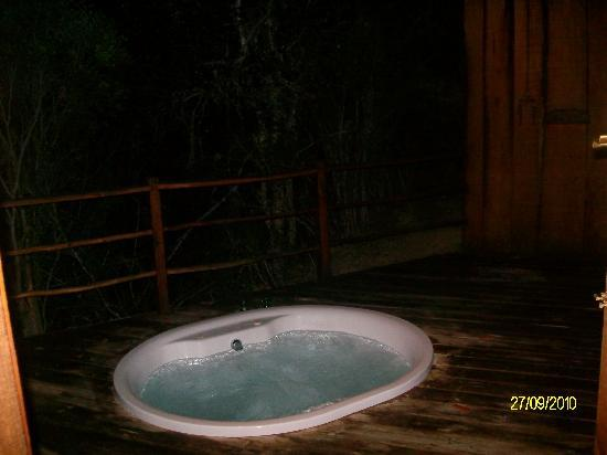 Addo Elephant Back Safaris: Jacuzzi on the deck