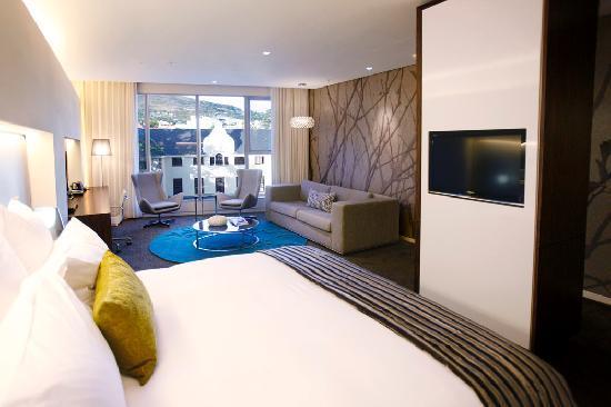 African Pride 15 On Orange Hotel: Deluxe Suite