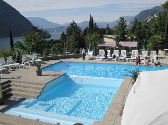 Hotel Campione: Beautiful pool and view!