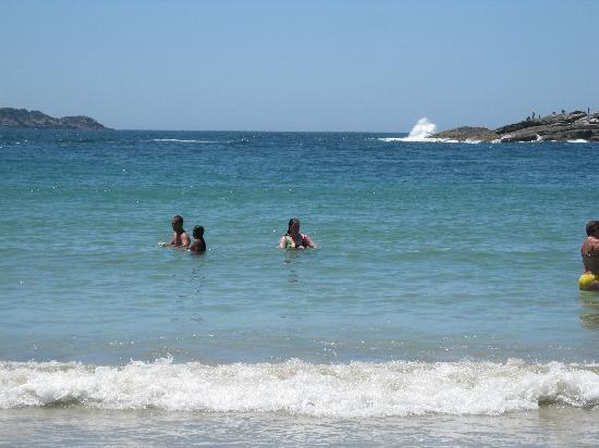 Cabo Frío, RJ: nadando