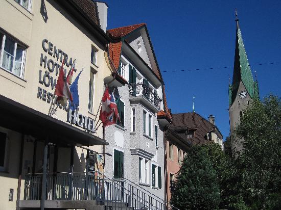Central Hotel Loewen: Streetside Entrance to Hotel
