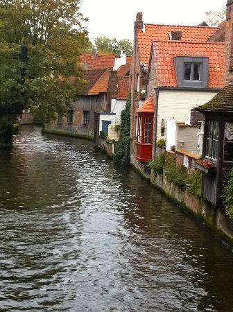 Number 11 Exclusive Guesthouse: Picturesque Bruges.