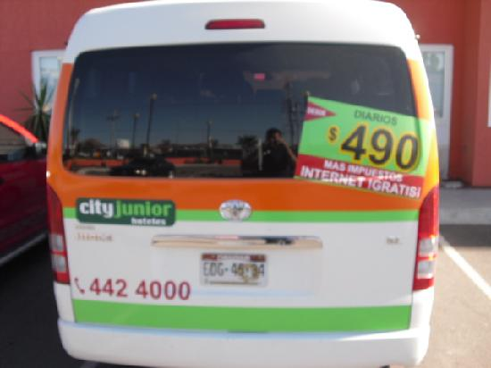 City Express Junior Chihuahua: free shutlee service