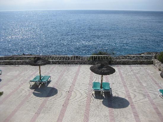 Hotel Globales America: Sunbathing Terrace with views of the sea.