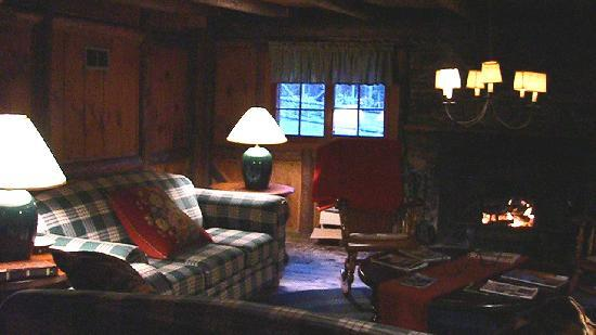 Landgrove Inn: The Cozy Lounge