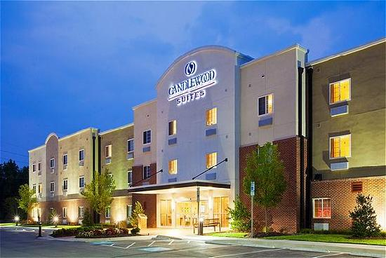 Candlewood Suites Rocky Mount: Hotel Exterior