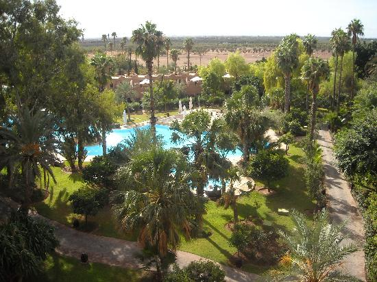 Es Saadi Marrakech Resort - Palace : vue sur l atlas de la suite