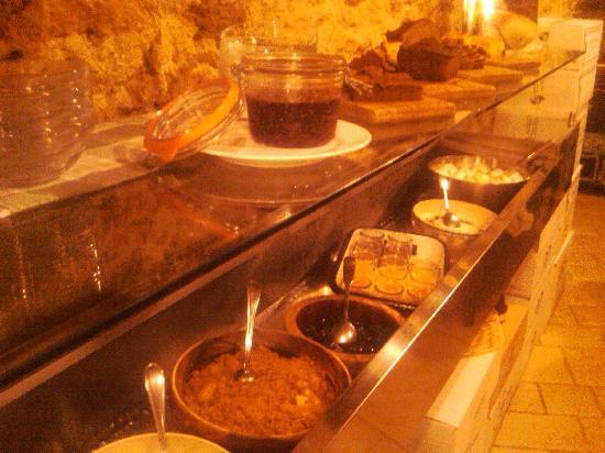 Cave de L'Os a Moelle: The Dessert Wall