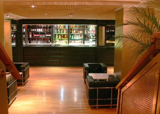 Bar area picture of anokha indian bar restaurant london for Anokha cuisine of india