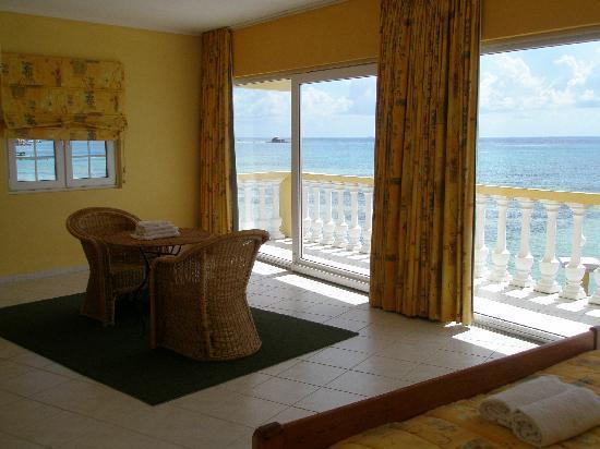 Aruba Beach Chalets : Master bedroom Superior chalet