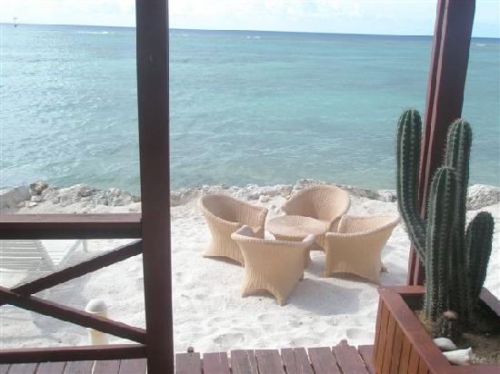 Aruba Beach Chalets : In front of the Excellent standard Chalet