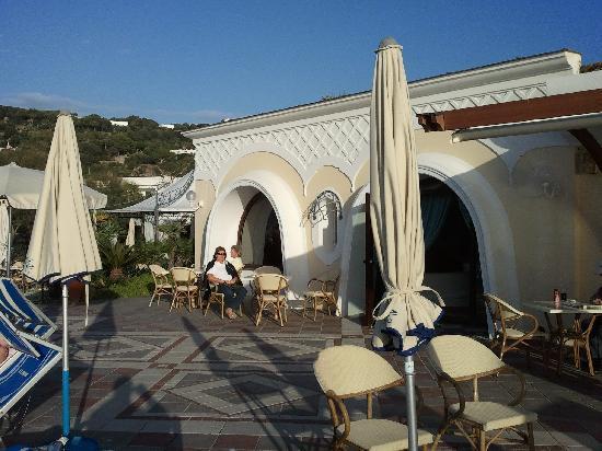 Hotel Tritone Wellness Center: l' hotel la terrazza
