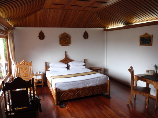 Taungoo, พม่า: Room
