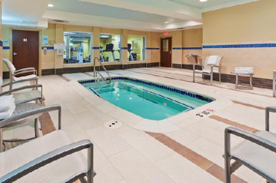 Holiday Inn Express & Suites Alexandria-Fort Belvoir: Spa