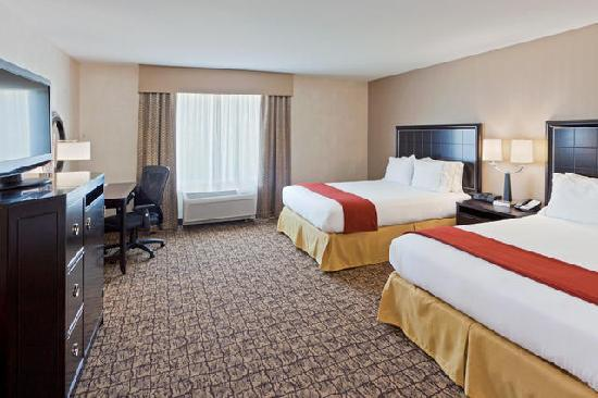 Holiday Inn Express & Suites Alexandria-Fort Belvoir: Two queen bed