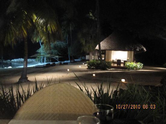 โรงแรมคาซาเดคัมโป: View of the beach from our table at The Beach Club by Le Cirque