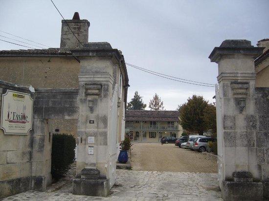 Bassac, France: entrée hotel