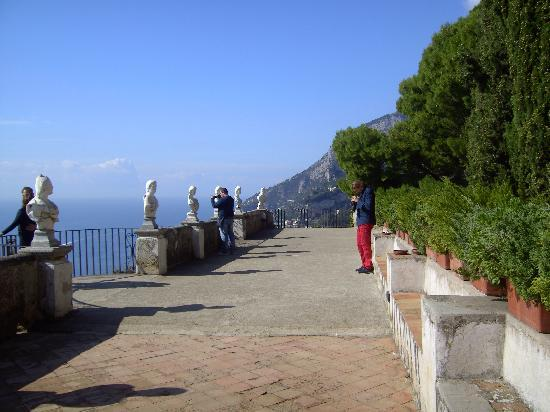 Ravello, Italia: Terrace of Infinity closed to the Public?????