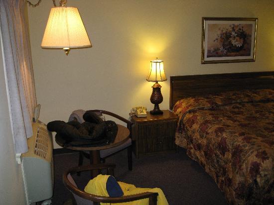 Roosevelt Inn: Room