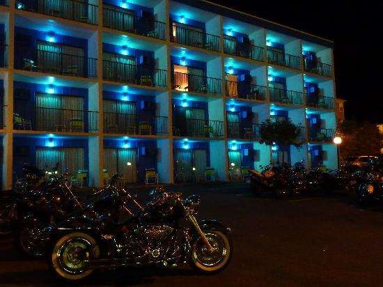 Sea Hawk Motel: Bike Week --lots of parking.