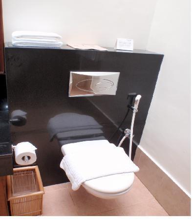 El Nido Resorts Miniloc Island: toilet