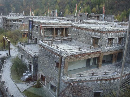 Holiday Inn Jiuzhai Jarpo: Jarpo Town