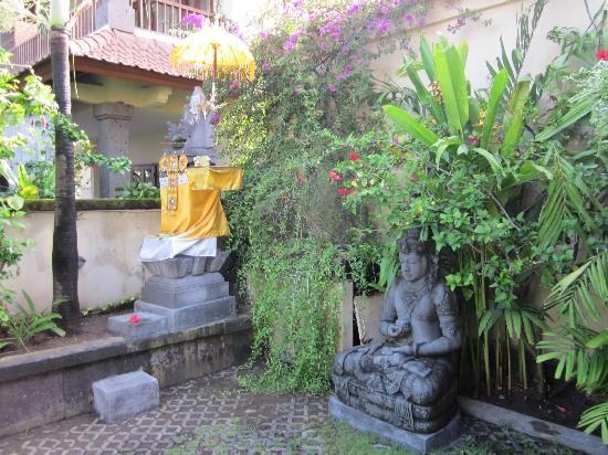 Villa Diana Bali: the hotel temple