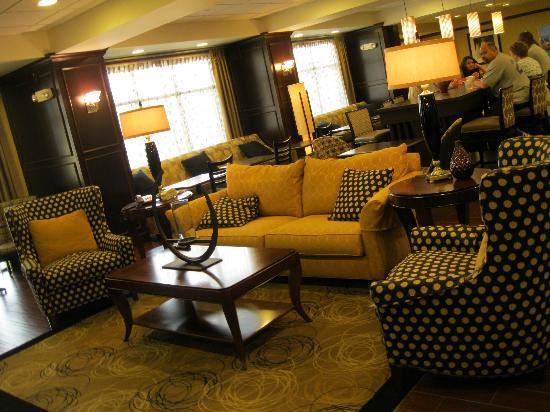 Hampton Inn Meadville: lobby area