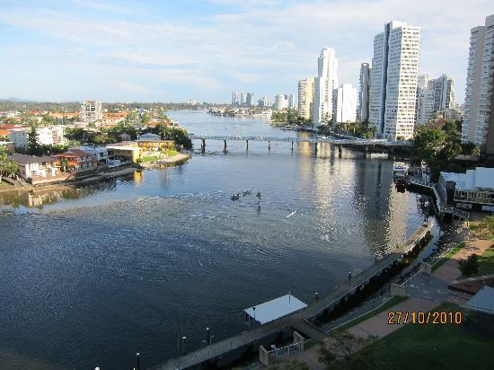Moorings on Cavill Avenue : View from the balcony