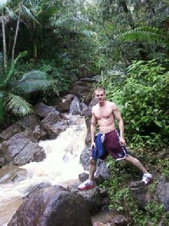 El Yunque National Forest, Porto Riko: Me hiking through the rain forest to the amazing waterfal