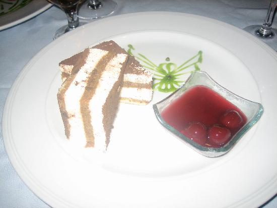 Royal Wings Hotel: Dessert - Italian Restaurant