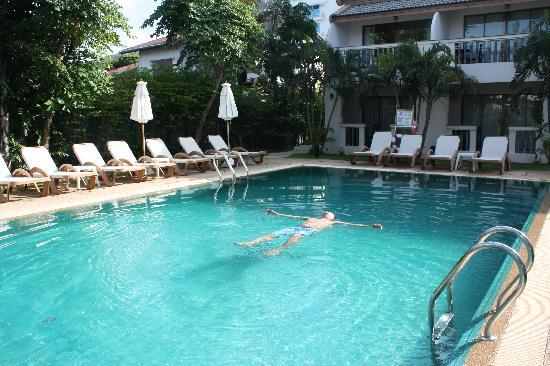 Centara Kata Resort Phuket: Sap pool, great break away area