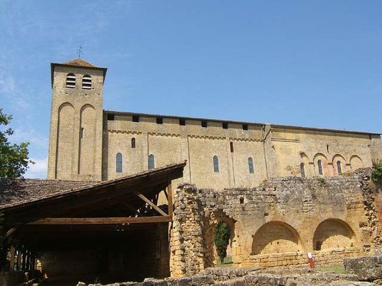 فرنسا: L'abbatiale et partie du cloître