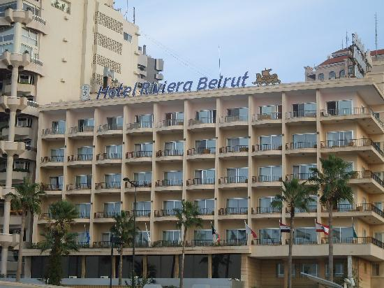 Riviera Hotel Beirut: view from the pool/facade de l'hotel