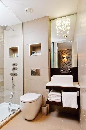 The Hide London: Shower