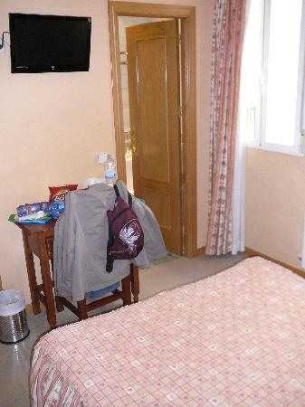 Hostal Oriente: Room 113 bedroom