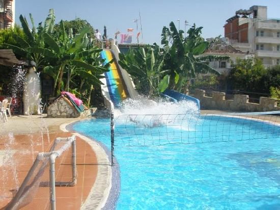 Club Hotel Lion: Waterslides
