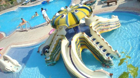Club Hotel Lion: Childrens Waterslides