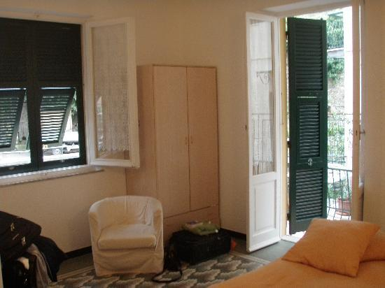 Camere Fontanavecchia: Our room was basic, but very clean and comfortable. A great value!