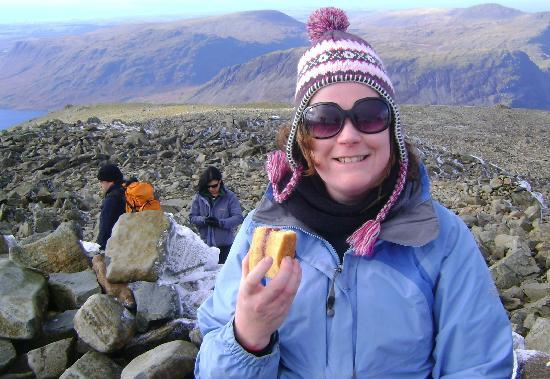 Portland House Bed and Breakfast: Celebrating climbing Scafell Pike with Denise's homemade cake!