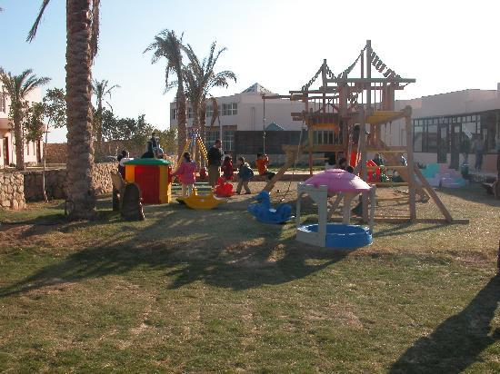 Romance Beach Resort: kids garden