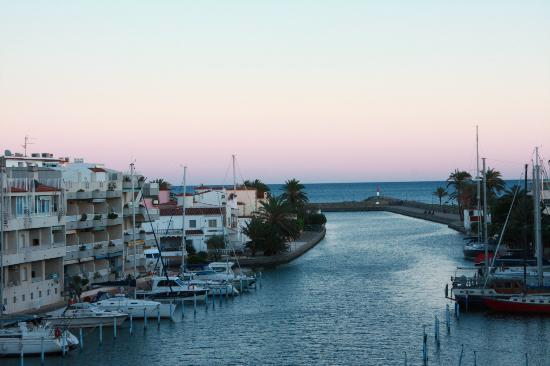Apartamentos Pierre & Vacances Empuriabrava Marina: Vu depuis le balcon en regardant vers la droite