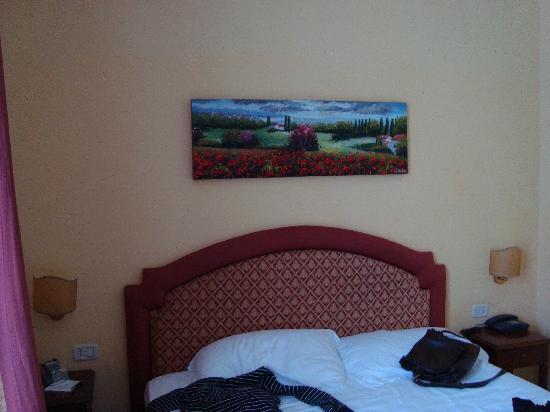 BEST WESTERN Ai Cavalieri Hotel: Altra vista della camera.
