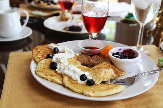 Richwood on the River: YUM blueberry pancakes