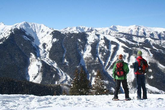 Snowshoeing on Aspen Mountain with ACES.