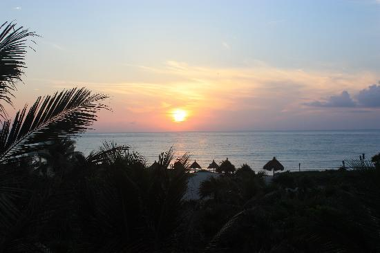 Grand Bahia Principe Tulum: Sunrise