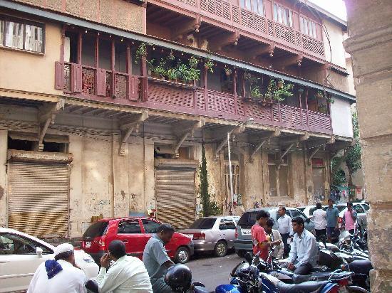 Carlton Hotel Mumbai: view from outside