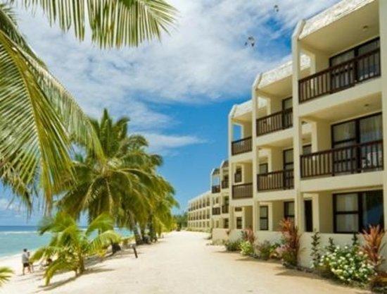 Arorangi, Cook Islands: Beach - Beachfront Deluxe Suites